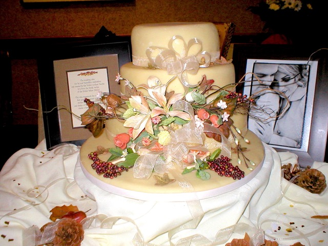 Wedding Cake: Autumn Theme | urbnspice.com
