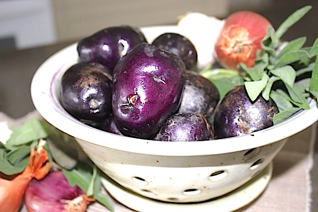 Inspiration of the Day - purple potatoes | urbnspice.com