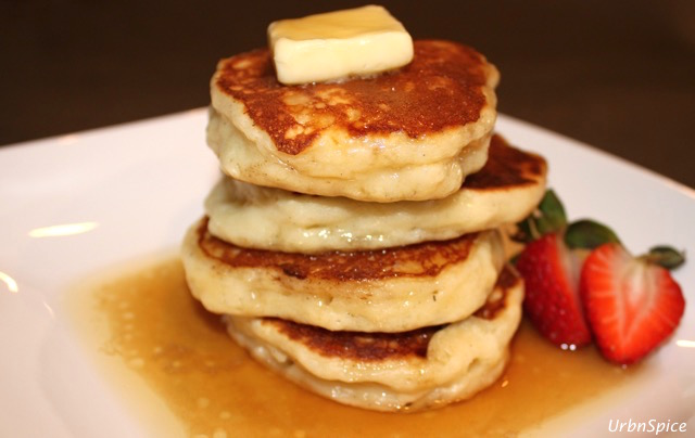 Yogurt Pancakes ready to eat | urbnspice.com