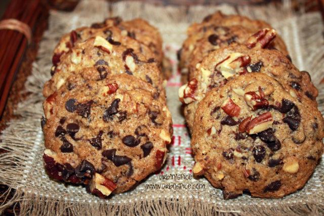 Chocolate Pecan Cookies | urbnspice.com