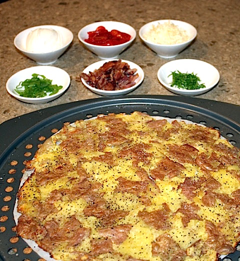 Topping the Smashed Potato Pizza | urbnspice.com