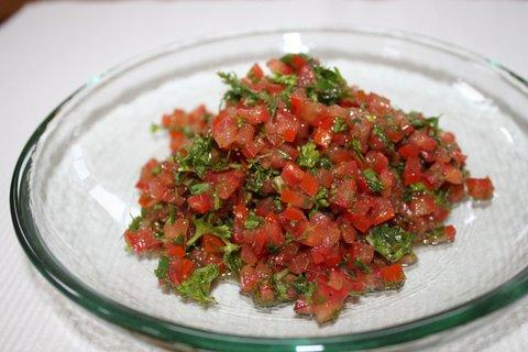 Fresh Tomato Herb Salsa | urbnspice.com