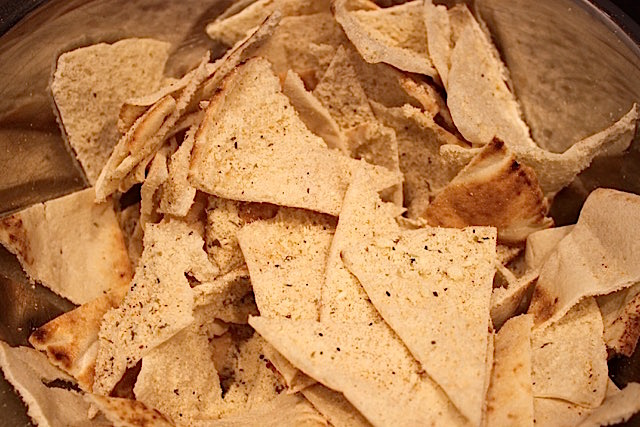 Parmesan Pita Crisps | urbnspice.com