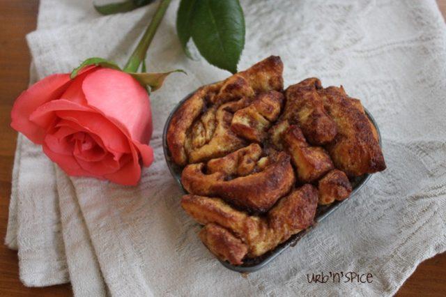 Cinnamon Rolls with Vanilla