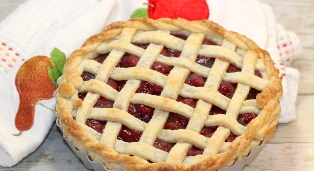 How to Make a Sour (Tart) Cherry Pie