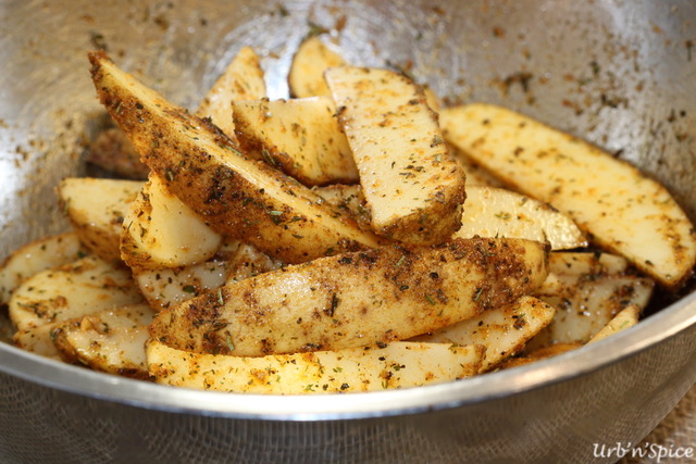 Seasoned Potato Wedges | urbnspice.com