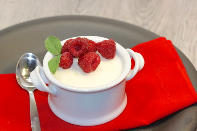 Greek Yogurt Lemon & Vanilla Bean Panna Cotta | urbnspice.com