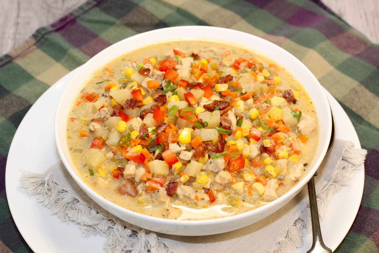 Fresh Peaches and Cream Corn and Chicken Chowder | urbnspice.com