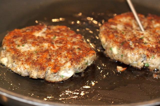 Turkey Mushroom Jarlsberg Burgers | urbnspice.com