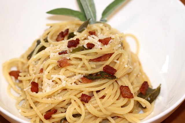 Crispy Sage and Bacon Pasta